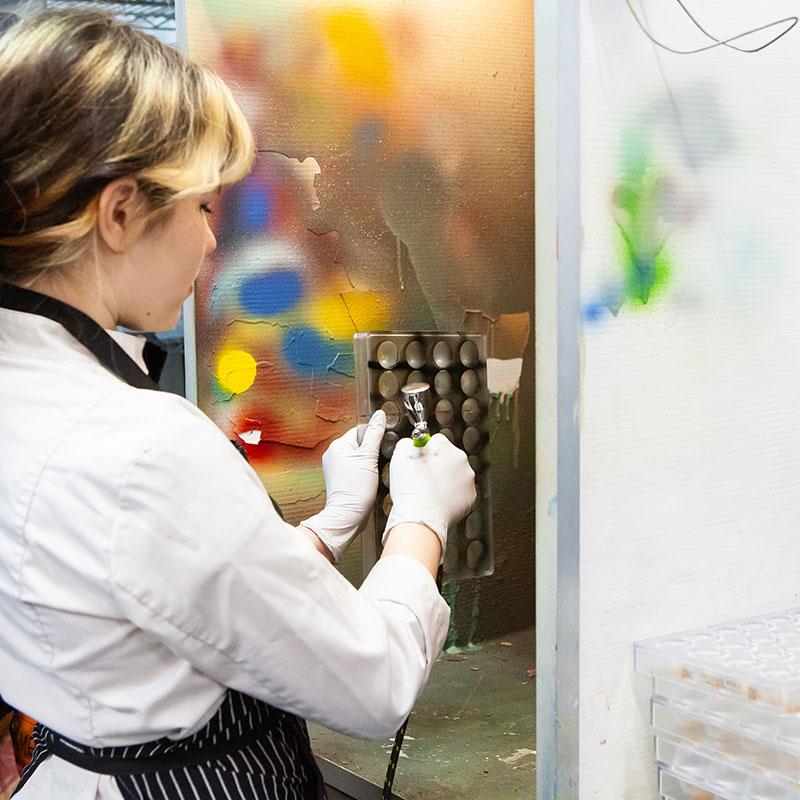 Airbrushing chocolate molds